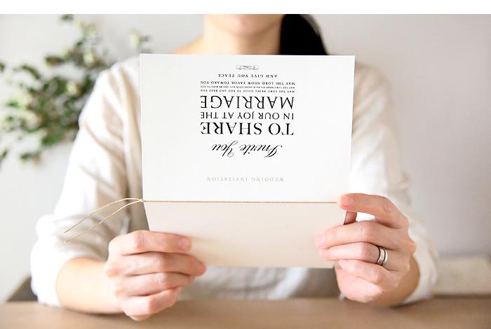 結婚式の招待状の案内状 イメージ
